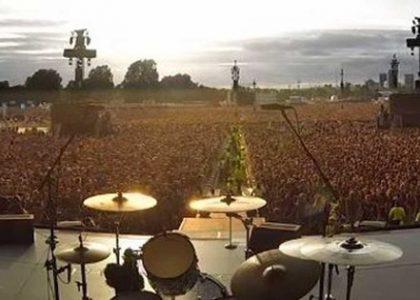 Grup Sahneye Çıkmayınca Konsere Gelen 65 Bin Kişi Bakın Ne Yaptı